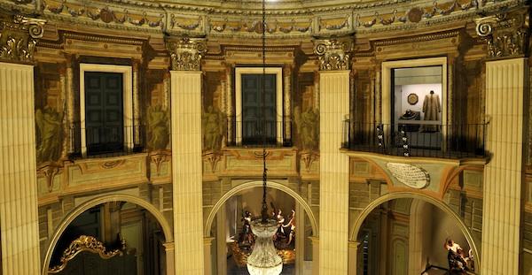Pinturas de Sístori, vista desde la Sala de Tribunas