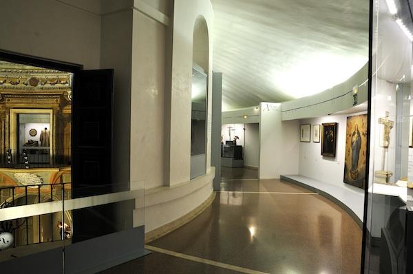 Entrada a Sala de Tribunas