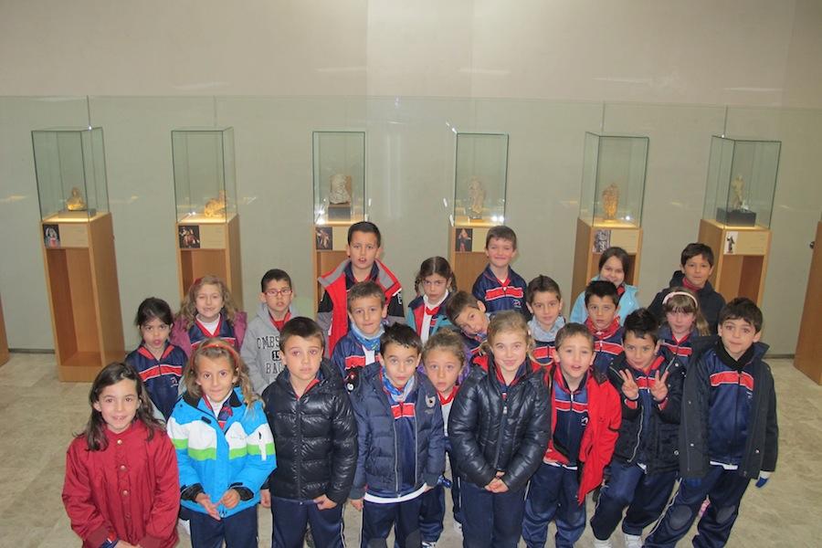 Alumnos del Colegio Montepinar en la Sala de los Bocetos