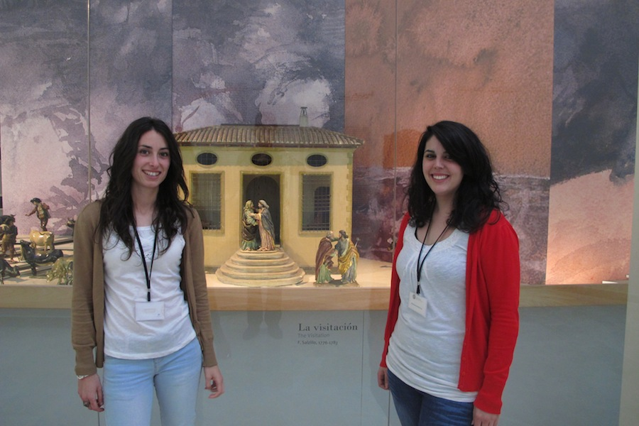 María Teresa García Martín y Carmen Robles Herrero, alumnas en prácticas en el Museo Salzillo