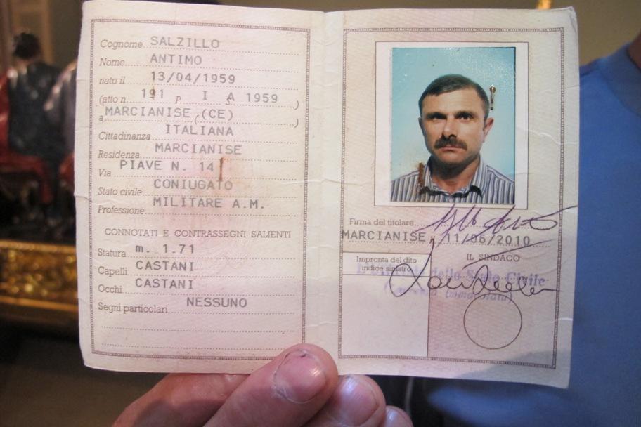 Documento de identidad de uno de los miembros de la familia Salzillo