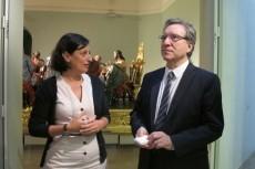 Iñaki Gabilondo en su visita al Museo acompañado de Susana Ruiz
