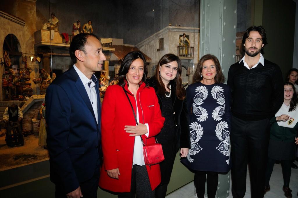 (De izq. a der.) José Tono Martínez, director del CentroCentro Cibeles, Susana Ruiz López, María Teresa Marín, Ana Botella y Antonio Jiménez Micol