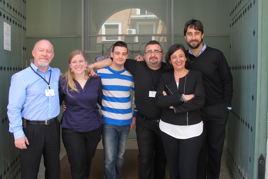 Rubén Sánchez y María Martínez y el equipo del Museo Salzillo